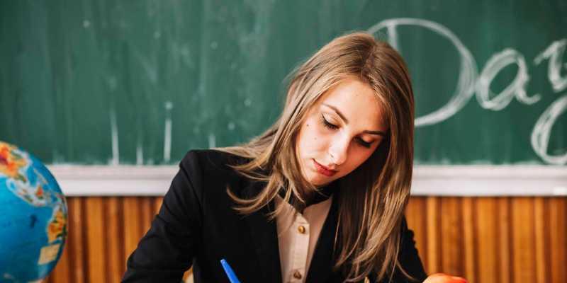 Сколько зарабатывает учитель? - Promopoisk
